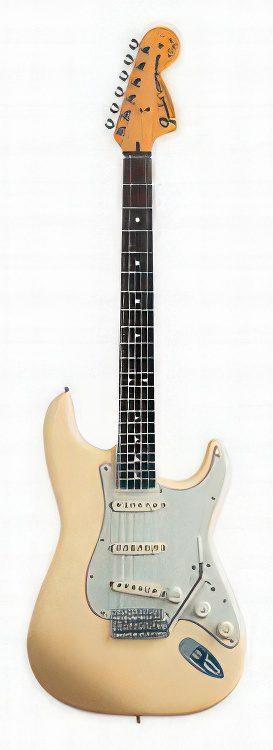 Fender Stratocaster Artist – YNGWIE MALMSTEEN STRATOCASTER Guitar Review