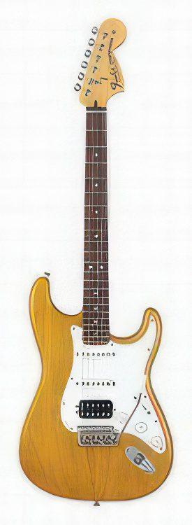 Fender Stratocaster HIGHWAY 1 STRATOCASTER HSS Guitar Review
